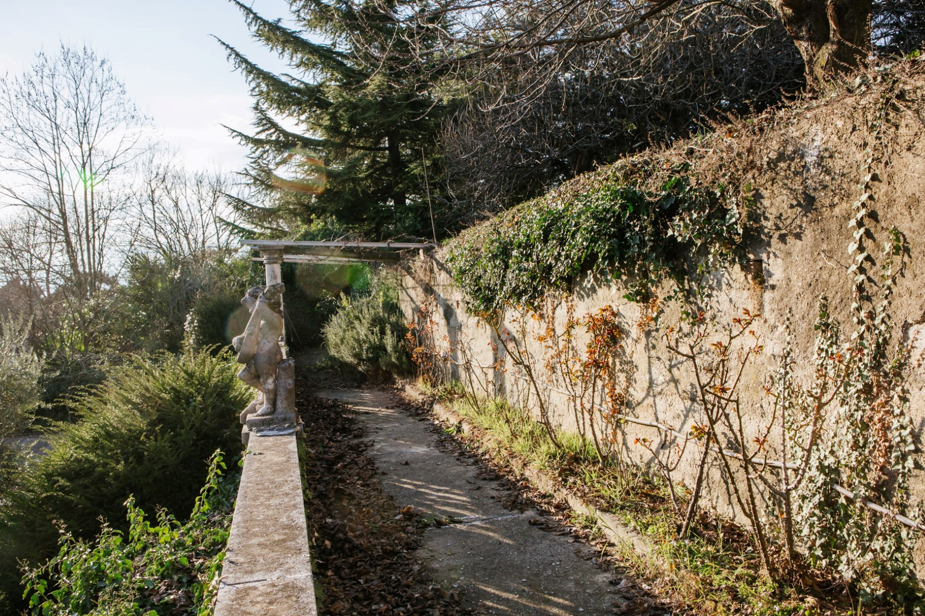Additional photo for property listing at Historic villa with vineyard of the 1750 on the Moncalieri Hill Via Segantini Moncalieri, Turin 10024 Italie