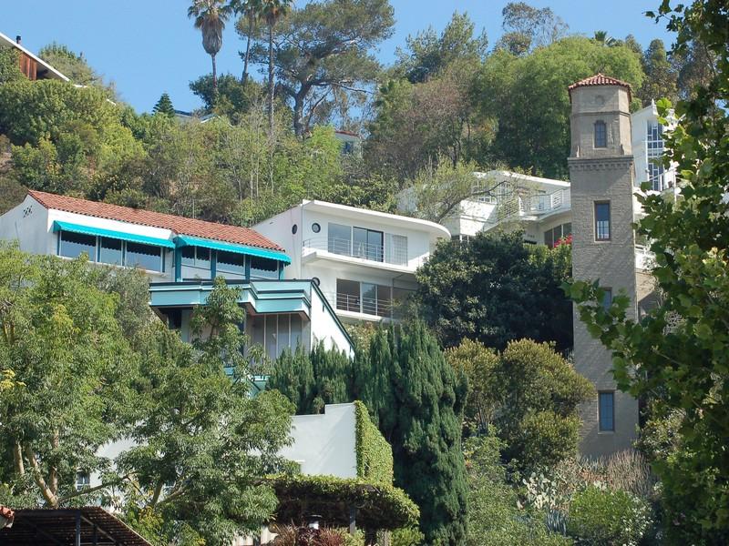Vivienda unifamiliar por un Venta en 2175 Broadview Terrace Los Angeles, California 90068 Estados Unidos