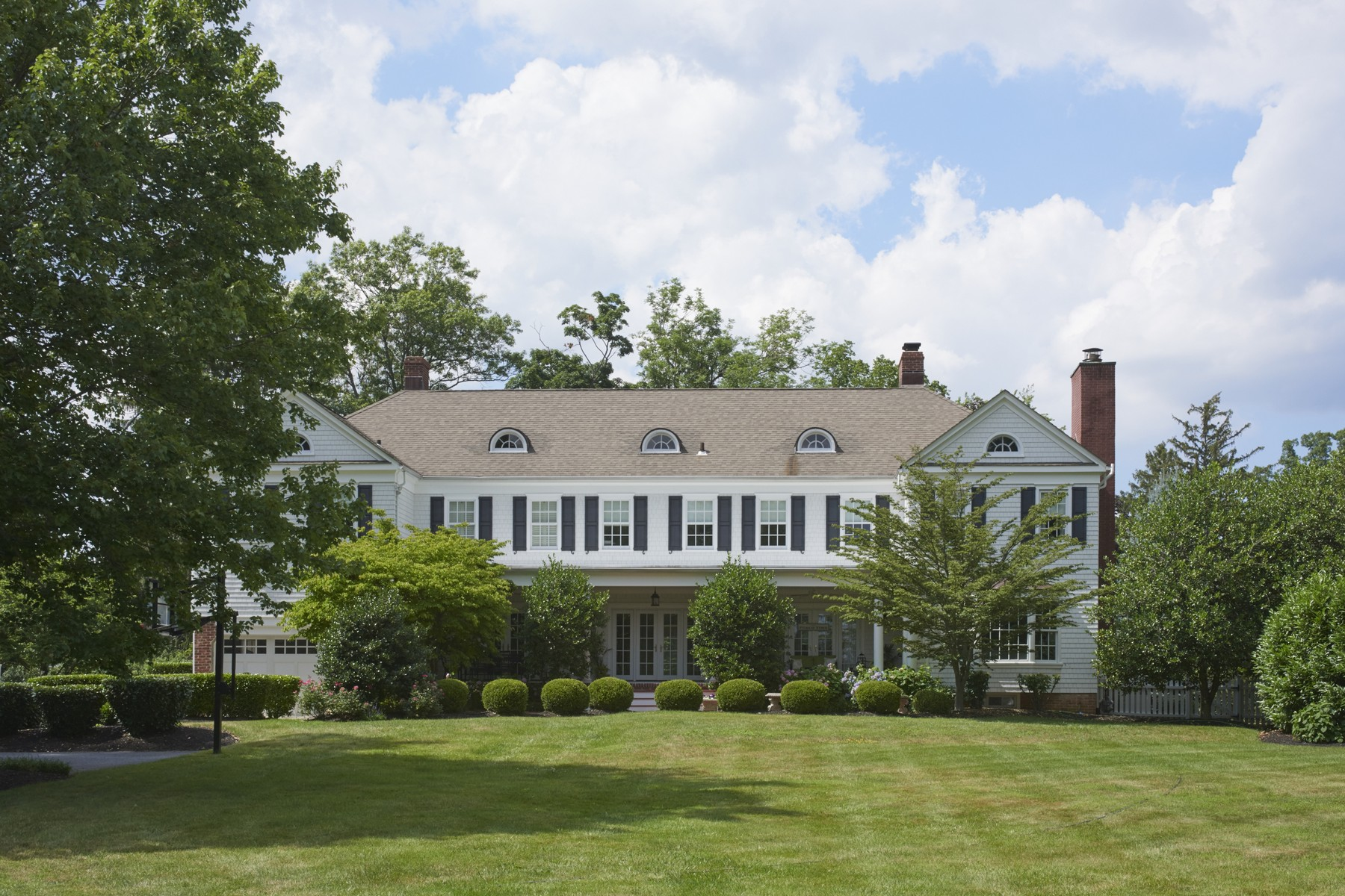 Single Family Home for Sale at Elegant Beauty Renovated 15 Elm Ln Shrewsbury, New Jersey, 07702 United States