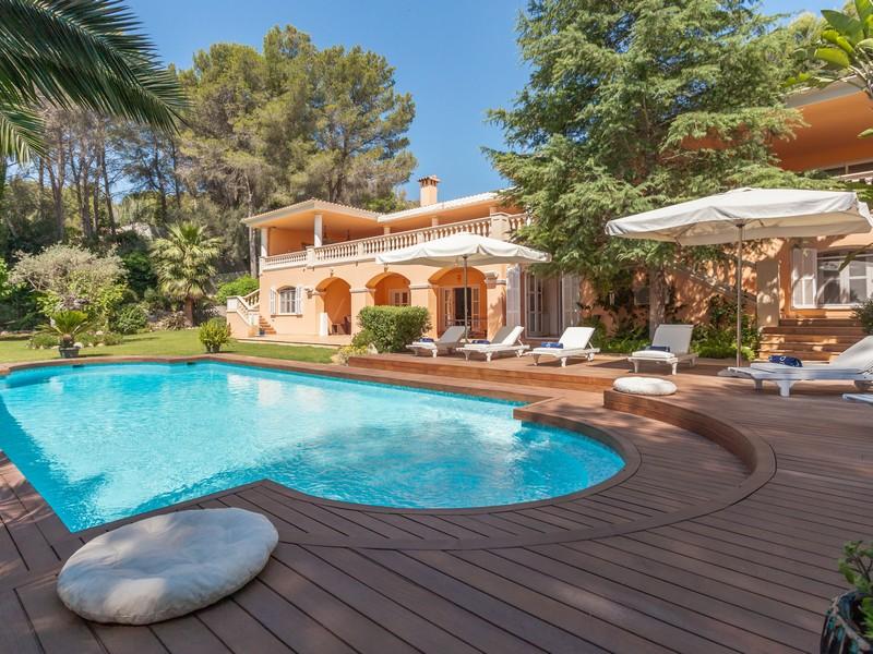 Casa Multifamiliar por un Venta en Villa frontline to golf course Son Vida Son Vida, Mallorca 07013 España