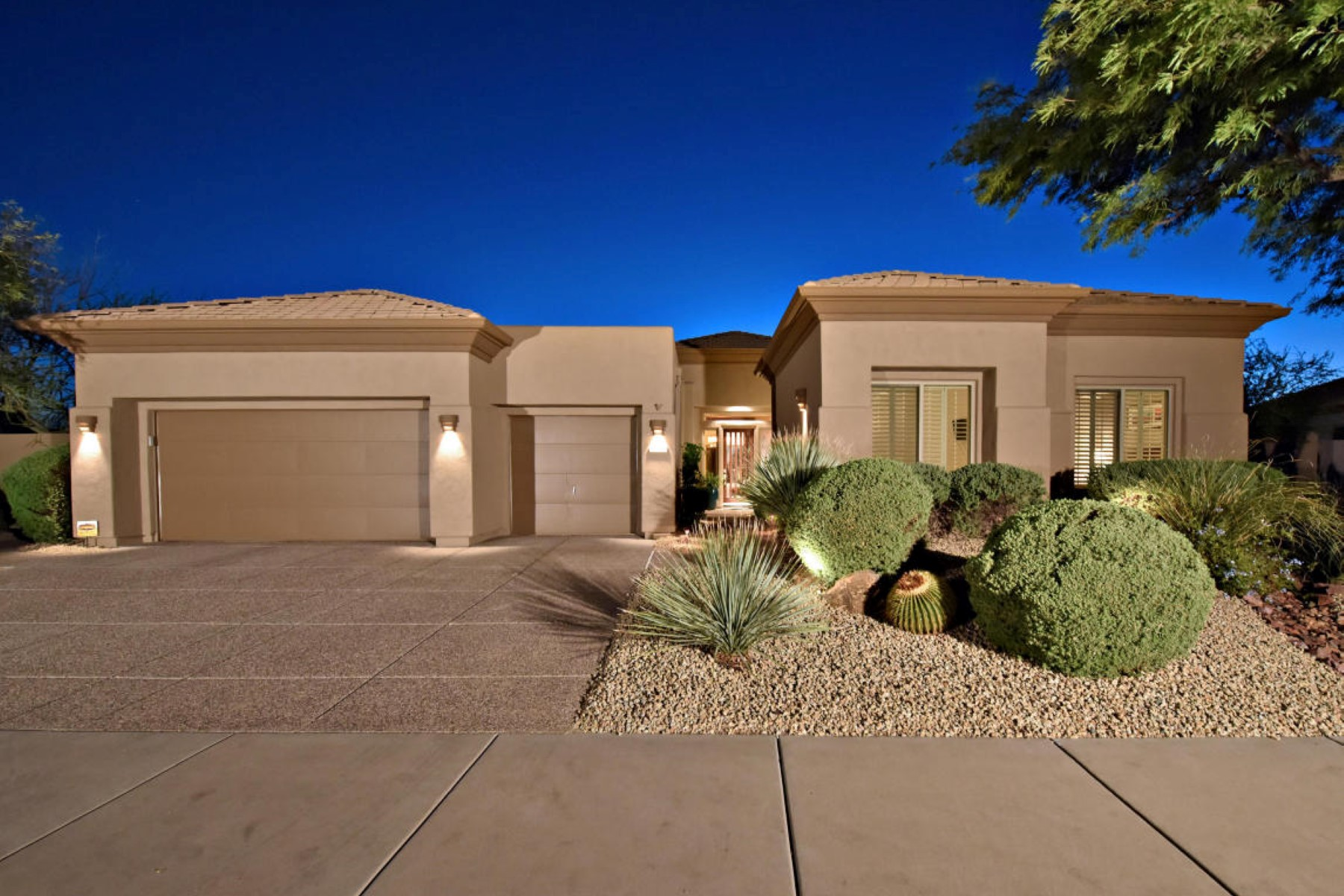 Tek Ailelik Ev için Satış at Lovely home wih an expanded Ventus model with private entry Casita 33618 N 64th Pl Scottsdale, Arizona 85266 Amerika Birleşik Devletleri