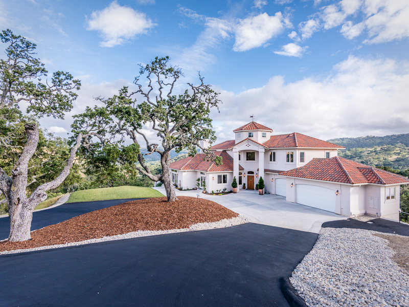 Single Family Home for Sale at Impressive Custom Home 9.7+- Acres 9925 Enchanto Road Atascadero, California, 93422 United States