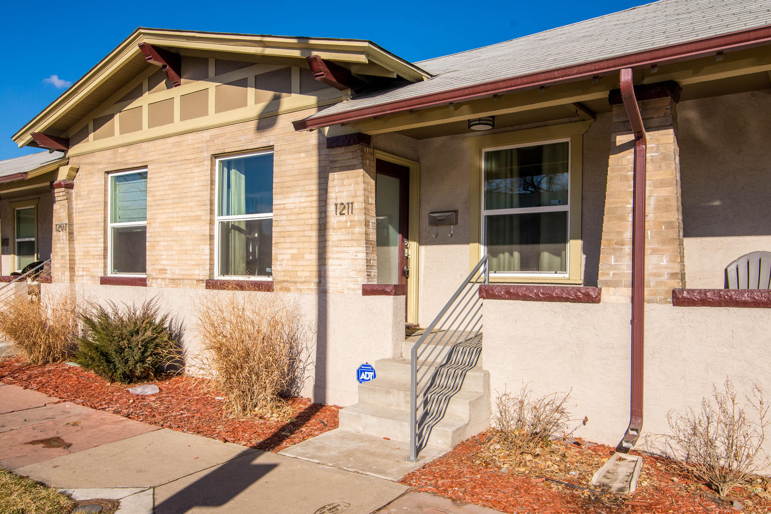Single Family Home for Sale at Renovated row home on edge of Curtis Park 1211 E 26th Ave Whittier, Denver, Colorado 80205 United States