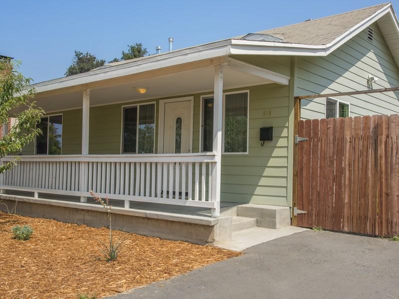 Vivienda unifamiliar por un Venta en 115 Ventura St Altadena, California 91001 Estados Unidos