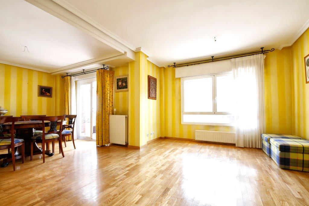 Maison unifamiliale pour l Vente à Chalet en zona norte Tobago 40 Madrid, Madrid 28027 Espagne