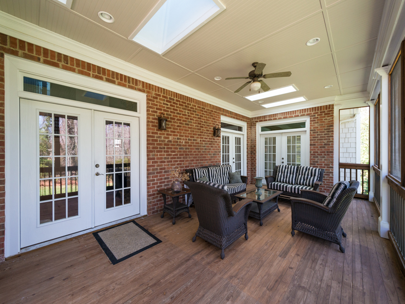 Additional photo for property listing at Wonderful Open Floorplan 3619 Rembrandt Road NW Atlanta, Джорджия 30327 Соединенные Штаты