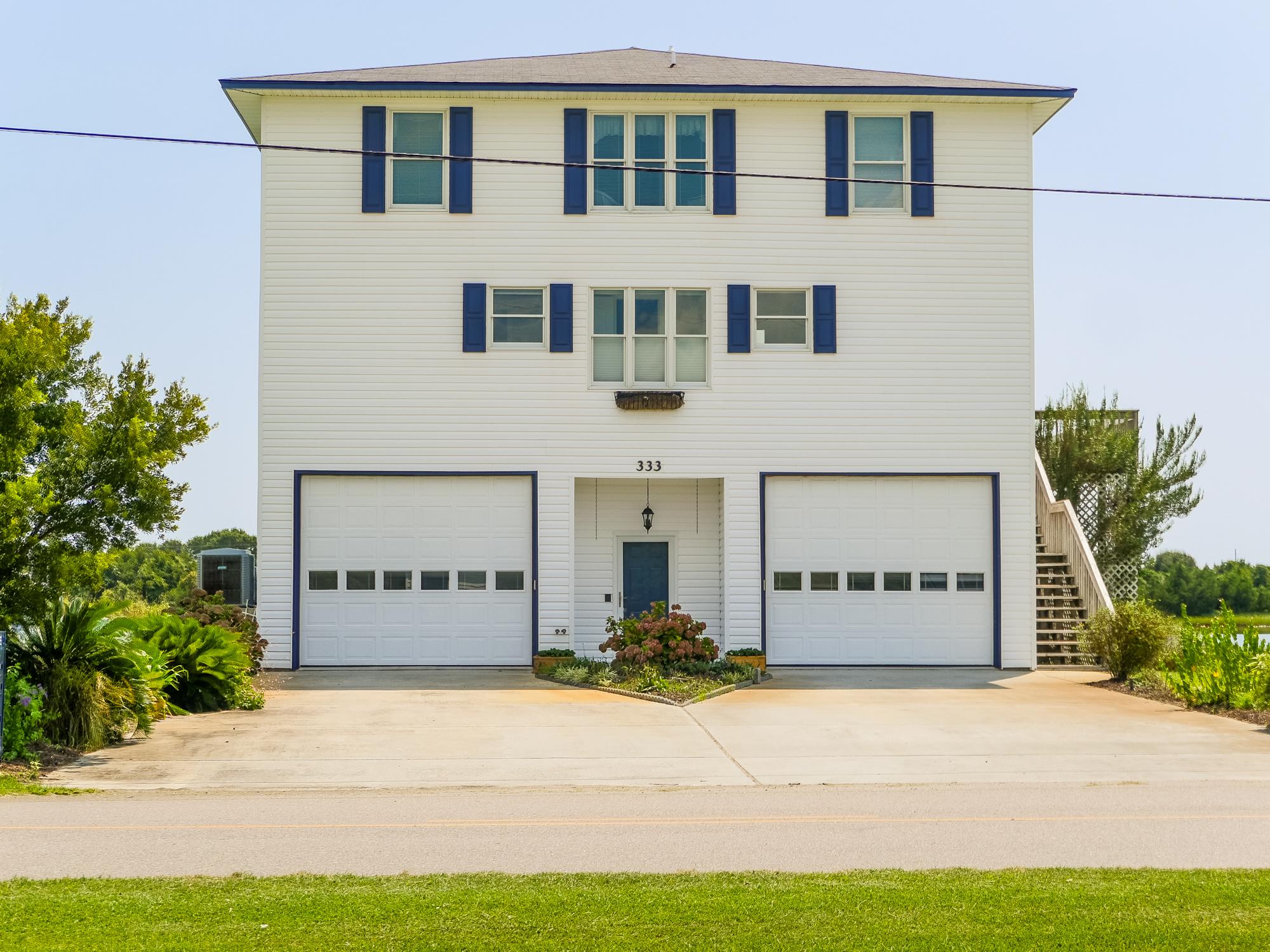 Vivienda unifamiliar por un Venta en Deepwater Dream 333 Grandview Drive Sneads Ferry, Carolina Del Norte, 28460 Estados Unidos