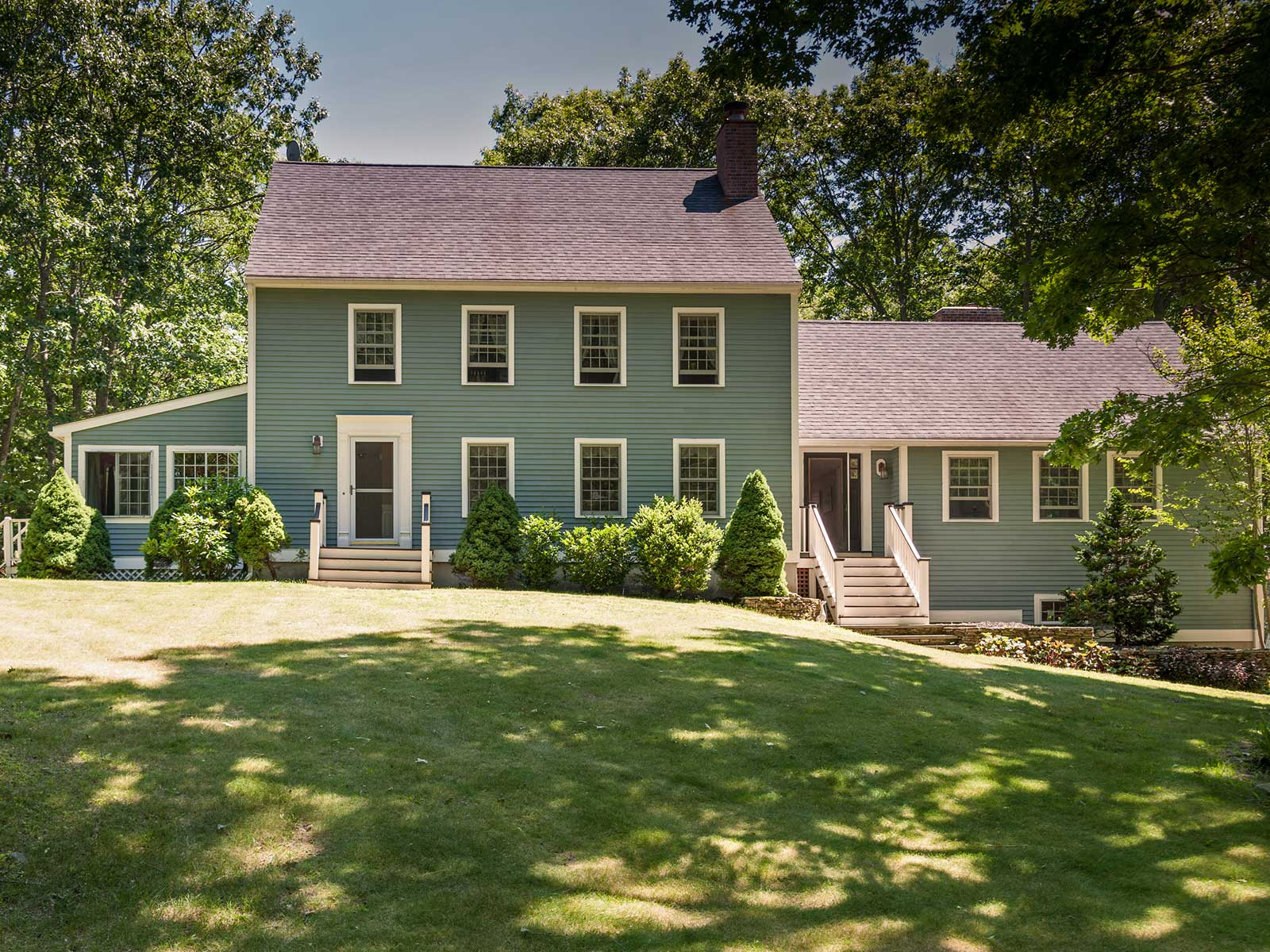 Single Family Home for Sale at Inviting Colonial in Kittery Point 8 Elizabeth Lane Kittery, Maine 03905 United States