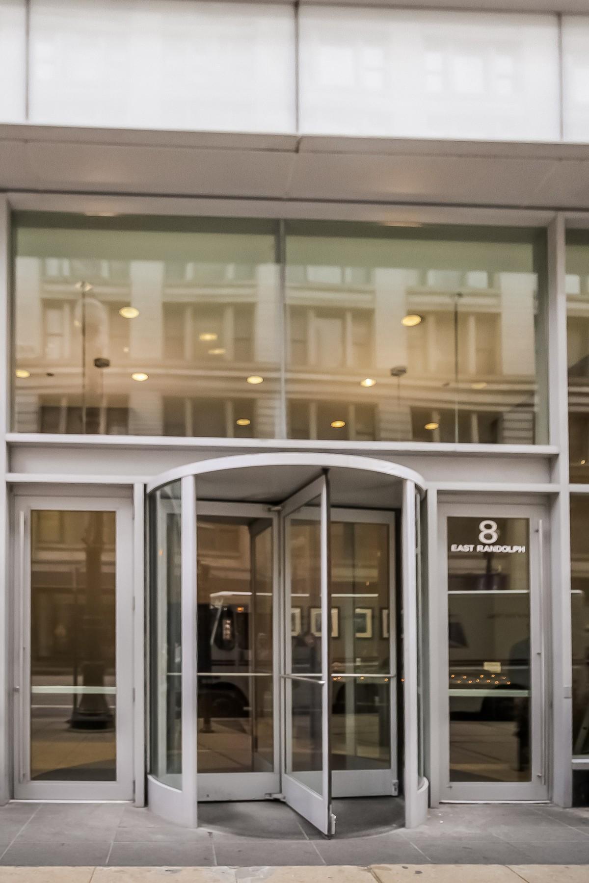 Condominium for Sale at Beautiful Joeffrey Tower Condo 8 E Randolph Street Unit 3001 Loop, Chicago, Illinois 60601 United States