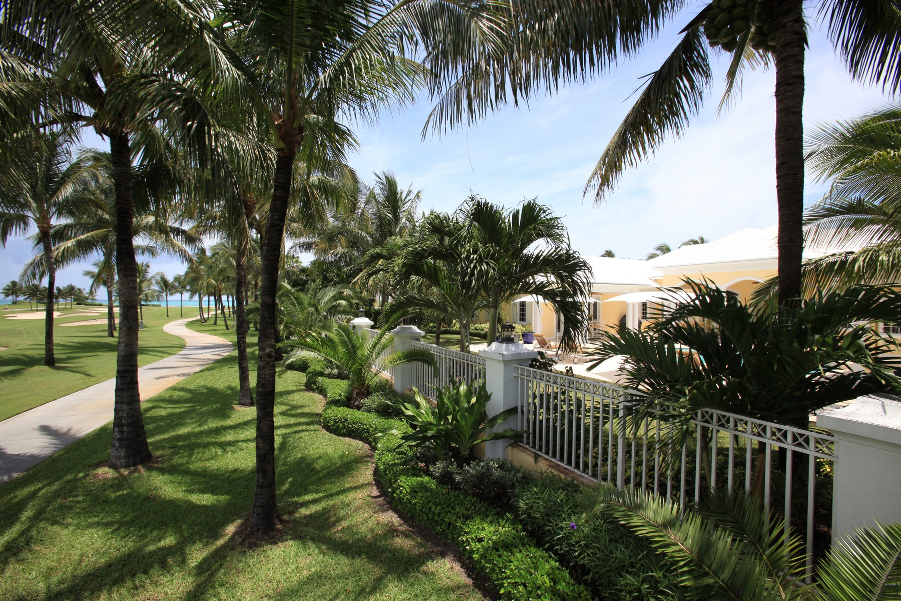 Additional photo for property listing at Ocean Club Estates #30 Ocean Club Estates, Paradise Island, New Providence/Nassau Bahamas