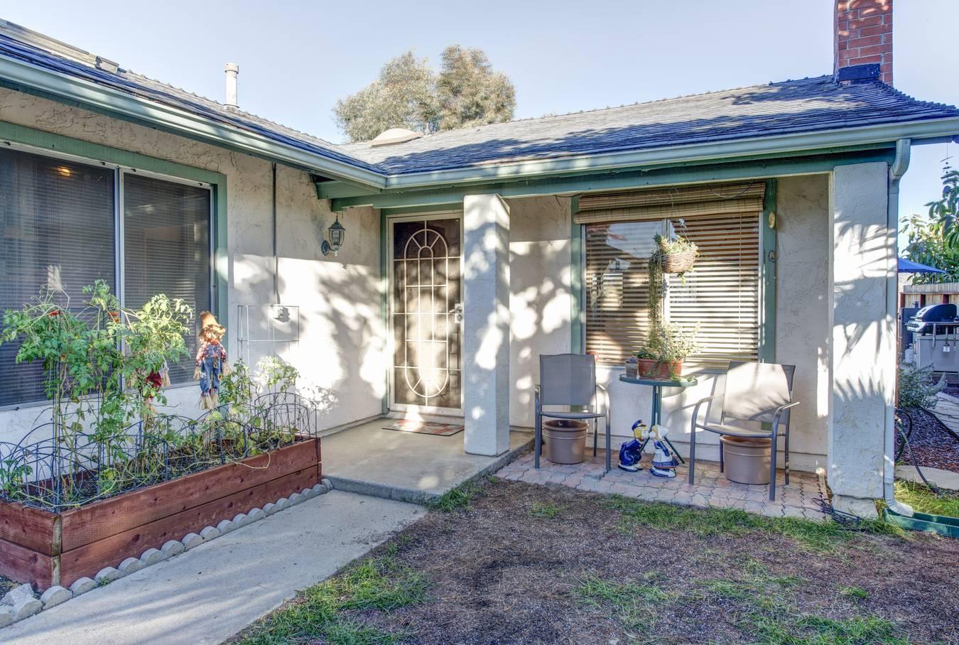 Villa per Vendita alle ore 13119 Avenida Grande Rancho Penasquitos, San Diego, California 92129 Stati Uniti