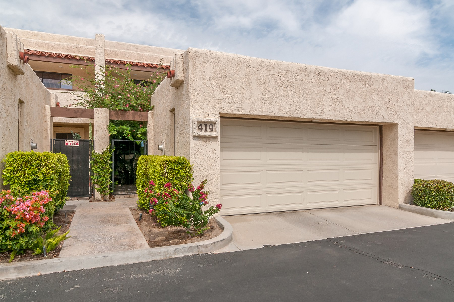 共管式独立产权公寓 为 销售 在 419 N Calle Alvarado Palm Springs, 加利福尼亚州 92262 美国