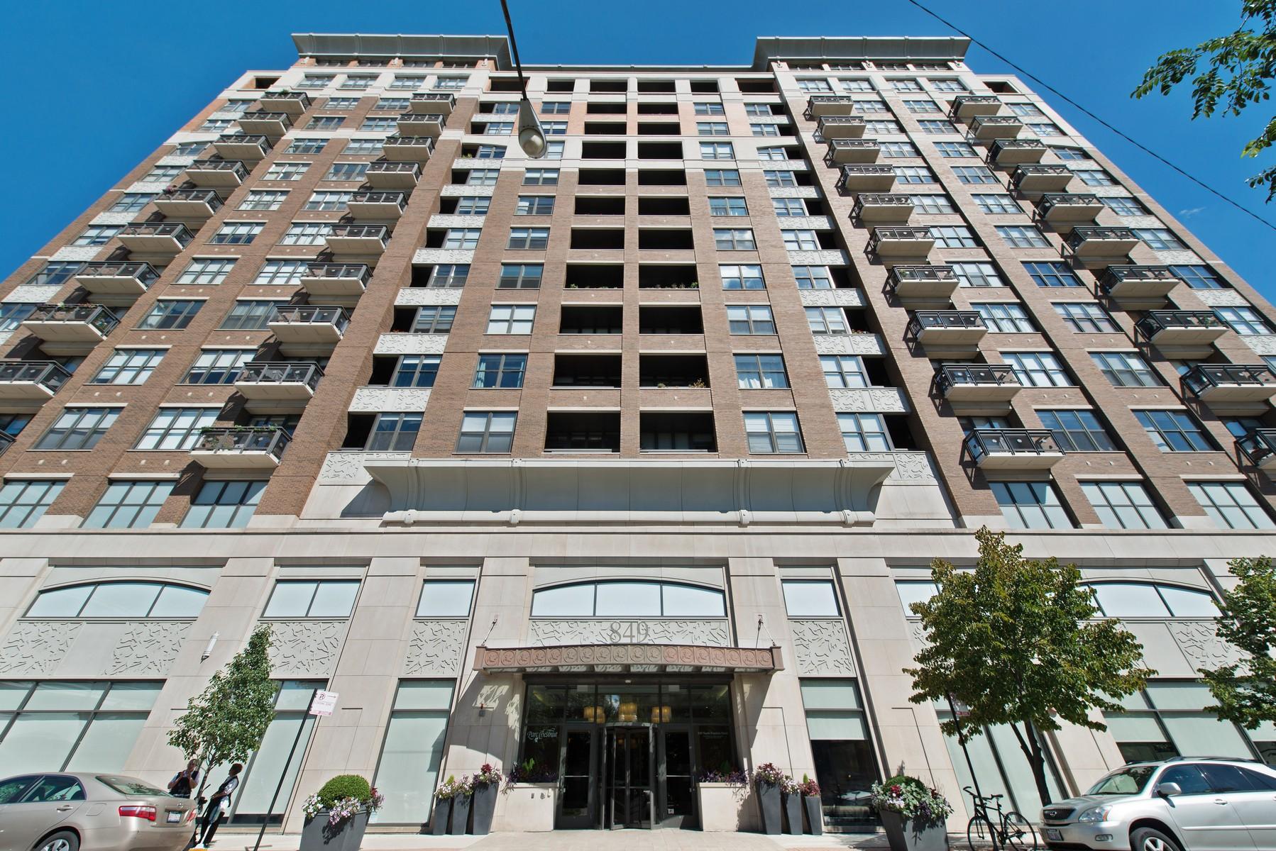コンドミニアム のために 売買 アット Condo at the Parc Chestnut 849 N Franklin Street Unit 1120 Near North Side, Chicago, イリノイ, 60610 アメリカ合衆国