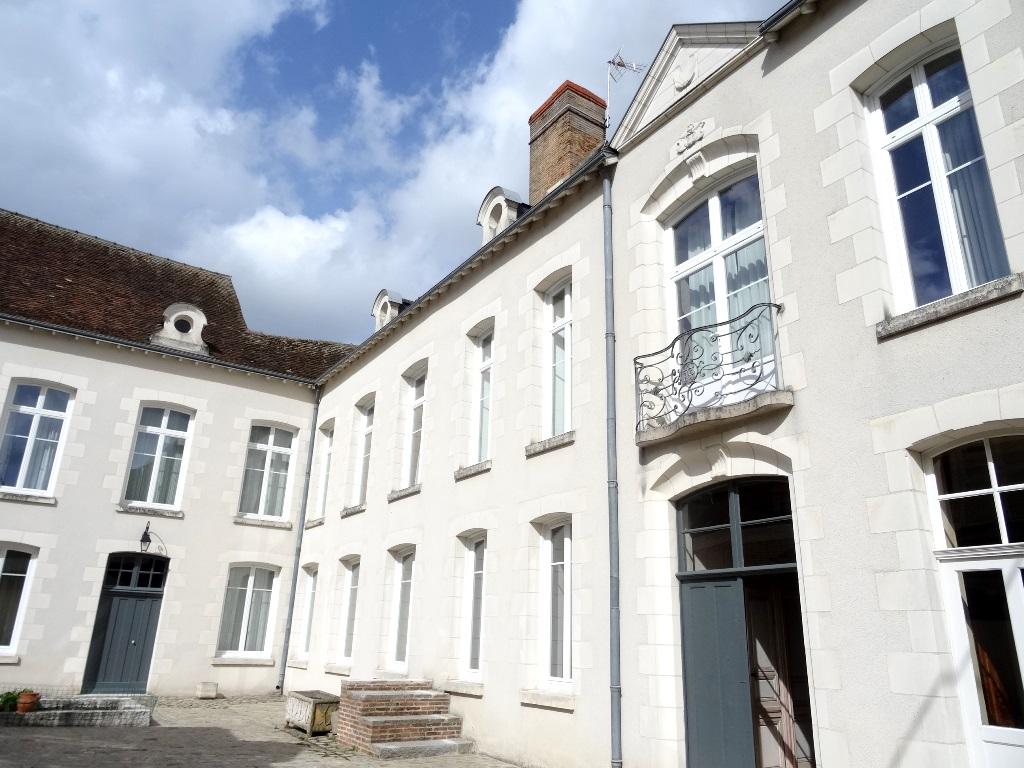 Casa Unifamiliar por un Venta en Hôtel Particulier Other Centre, Centro Francia