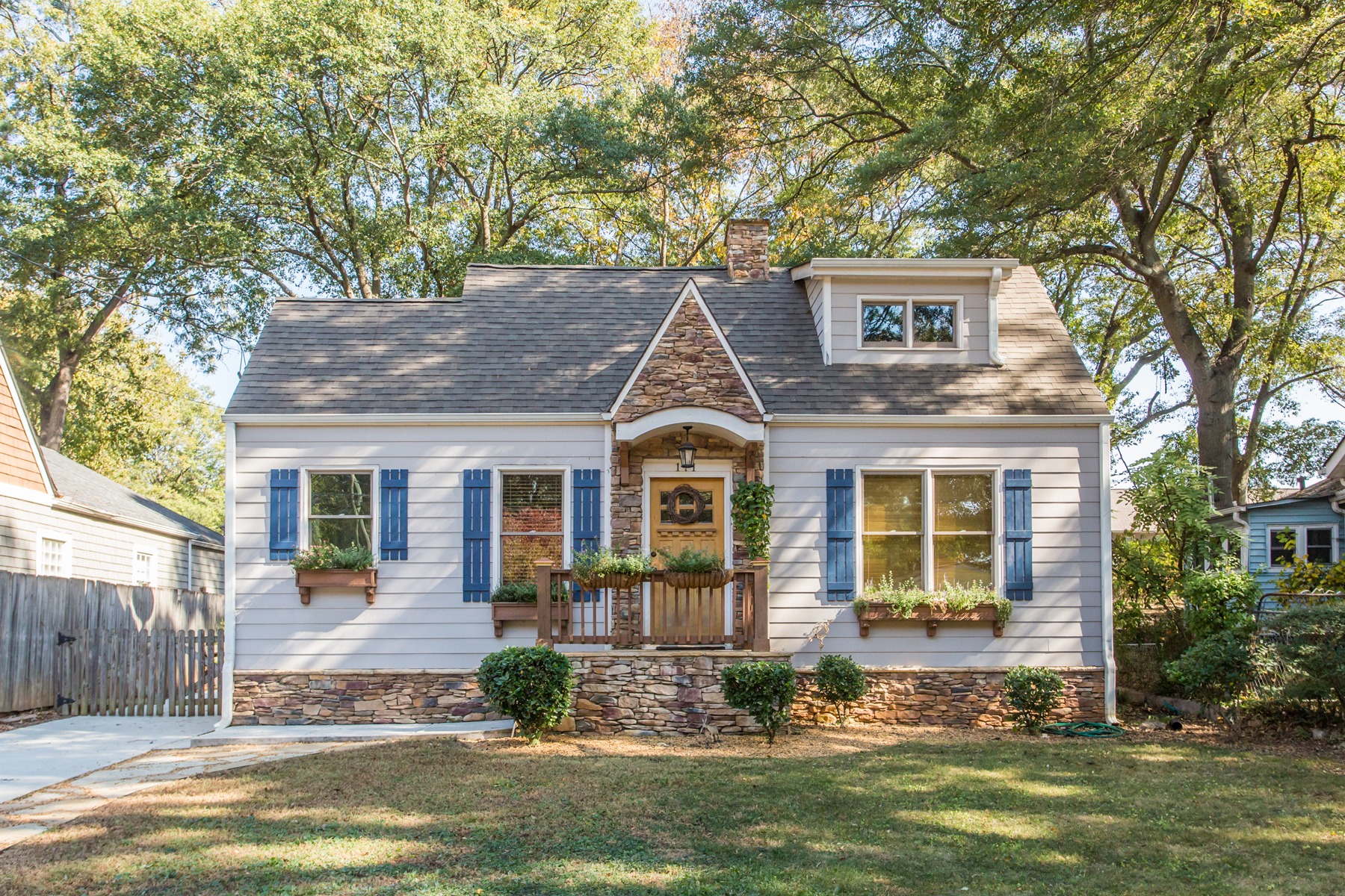Single Family Home for Sale at Captivating Edgewood Cape Cod 171 Whitefoord Avenue NE Atlanta, Georgia, 30307 United States