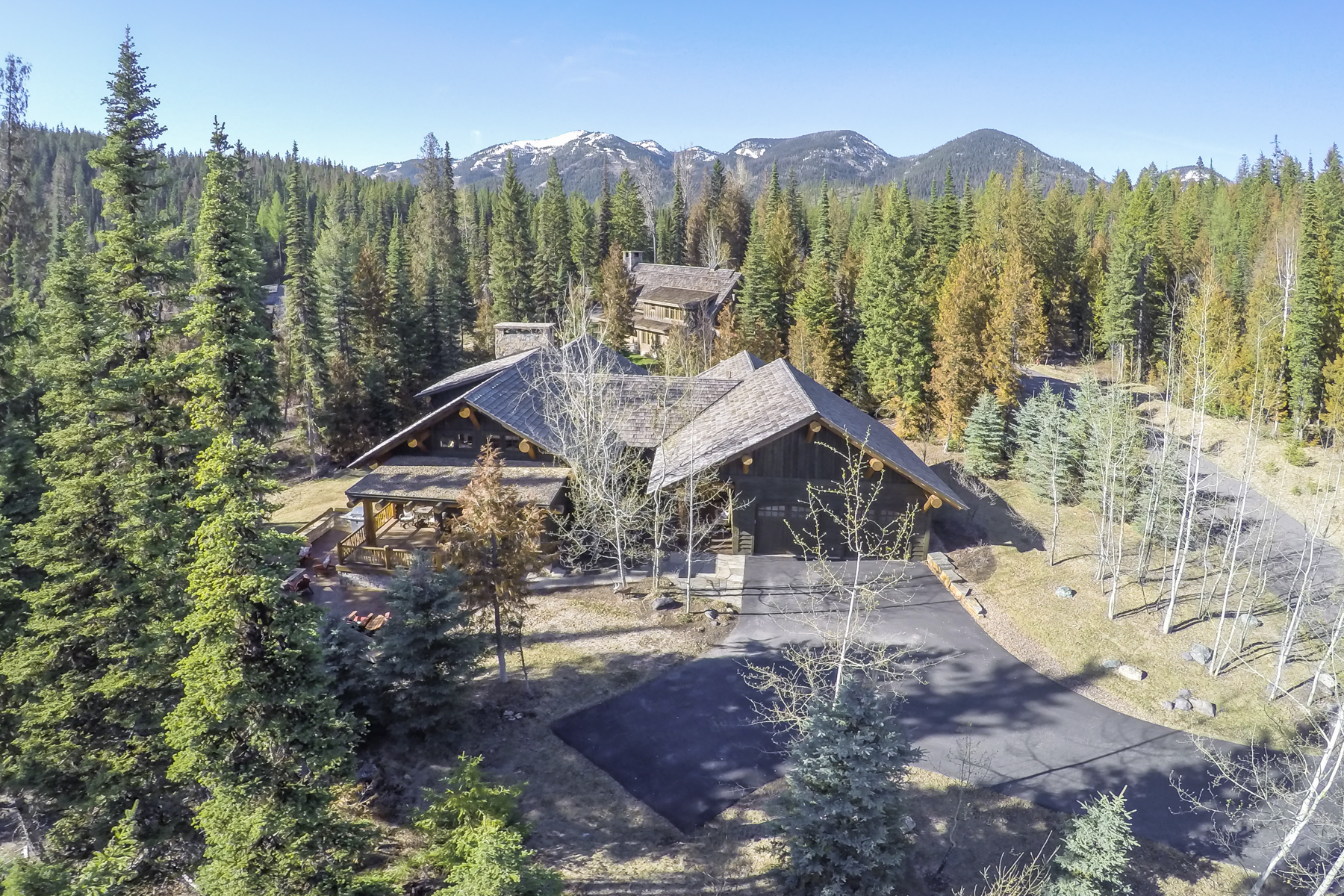Maison unifamiliale pour l Vente à Luxury Fish Camp Home 156 Woodland Star Circle Whitefish, Montana 59937 États-Unis