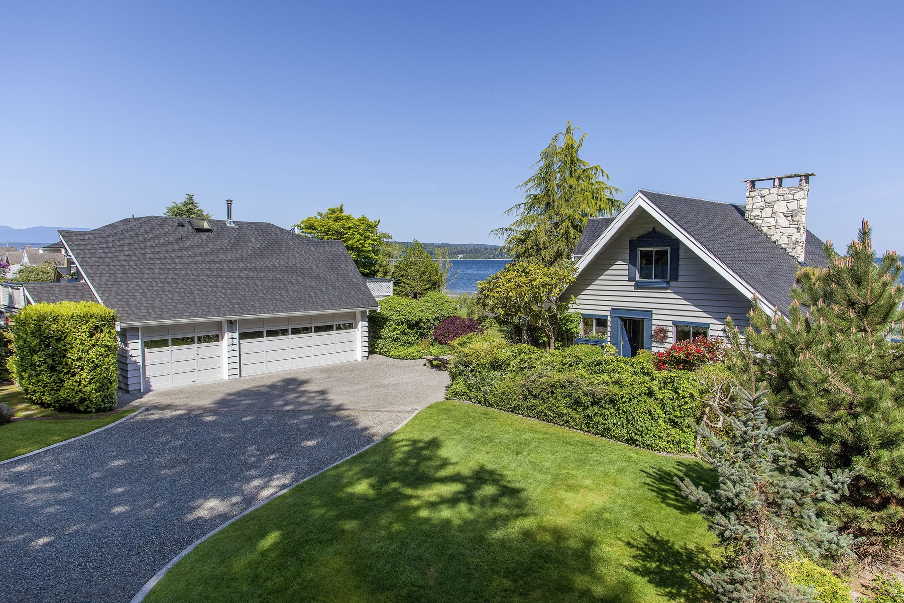Single Family Home for Sale at Poulsbo Beach House 3290 Wheeler Street NE Poulsbo, Washington 98370 United States