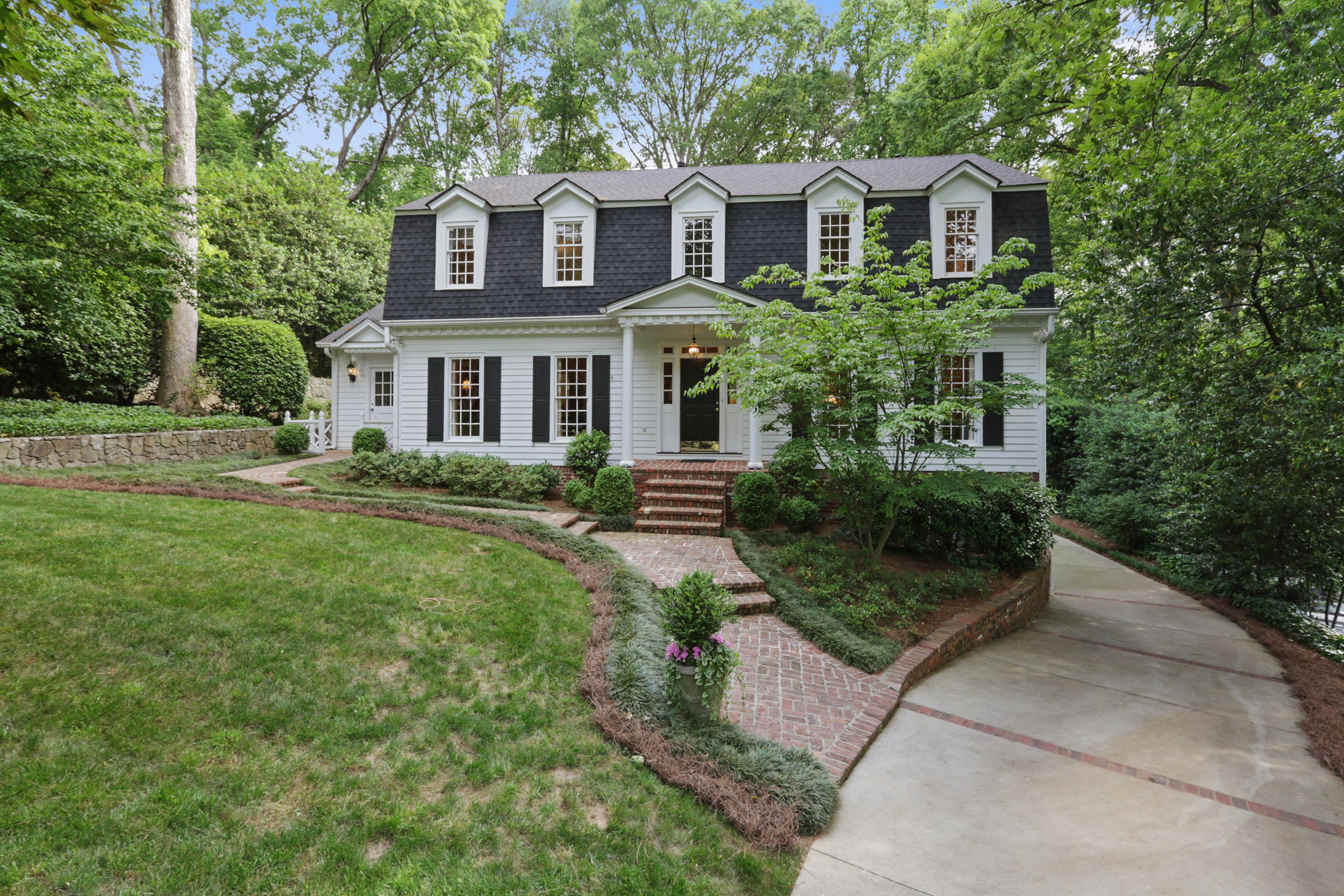 一戸建て のために 売買 アット Hilltop Elegance 2330 Christopher Walk Hanover West, Atlanta, ジョージア 30327 アメリカ合衆国