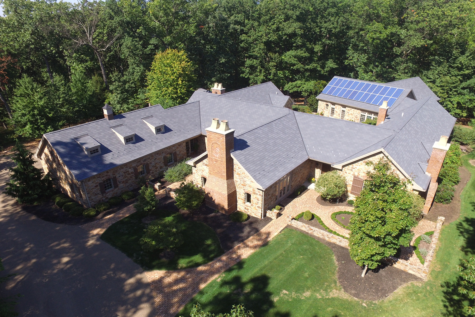 Single Family Home for Sale at 2008 Colonial Road Harrisburg, Pennsylvania 17112 United States