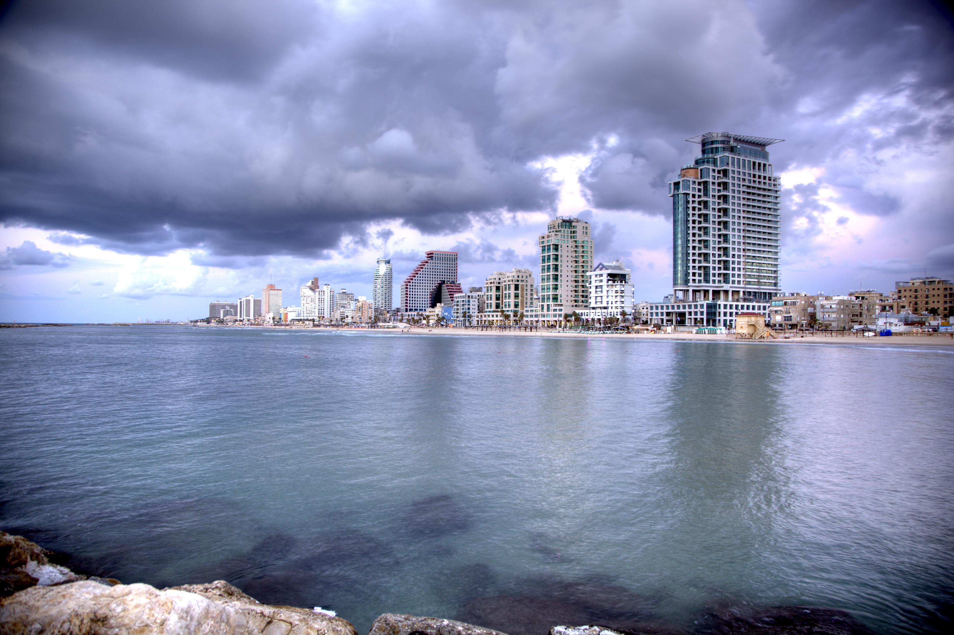 Кондоминиум для того Продажа на Amazing Loft at first sea line Sea One Tel Aviv, Израиль