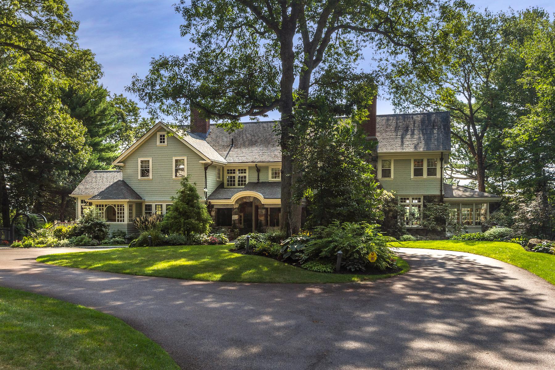 Частный односемейный дом для того Продажа на Exceptional Historic Arts & Crafts Home with Carriage House 16 Mccall Rd Winchester, Массачусетс, 01890 Соединенные Штаты