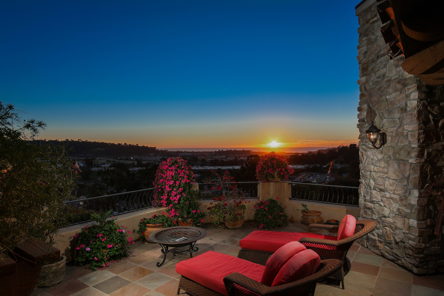 Additional photo for property listing at 985 Jeffrey Road  Del Mar, California 92014 United States