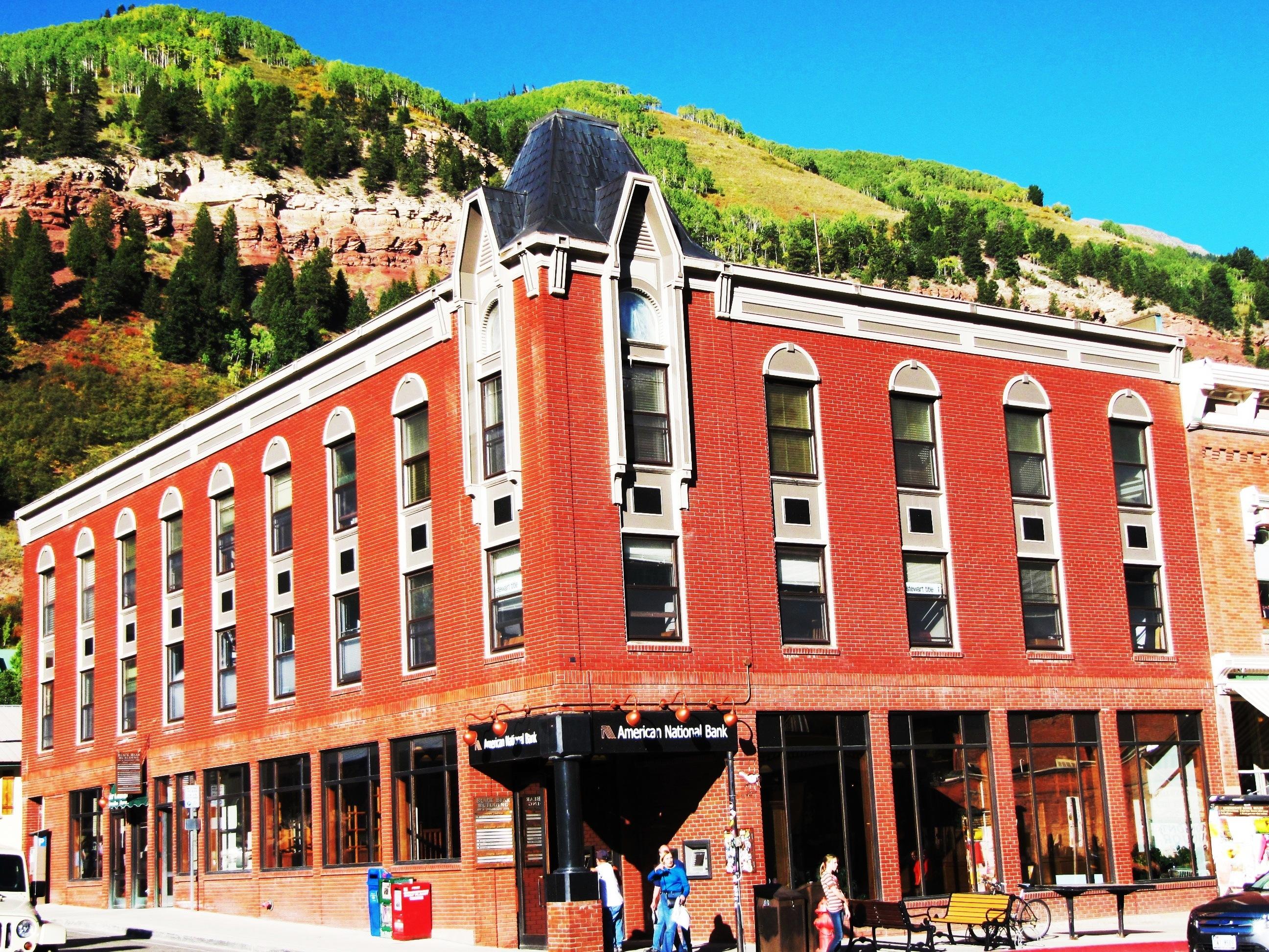 Condominio per Vendita alle ore Black Bear Unit #303 101 E. Colorado Avenue, Unit #303 Telluride, Colorado 81435 Stati Uniti