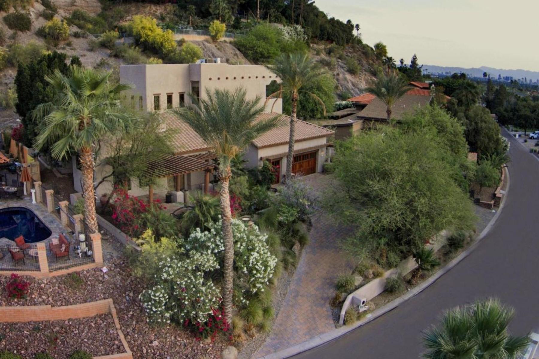 Vivienda unifamiliar por un Venta en A wonderful family home at Biltmore Highlands 7631 N 20 ST Phoenix, Arizona 85020 Estados Unidos