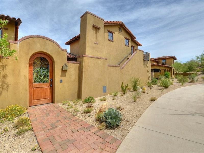 Maison de Ville pour l Vente à Extraordinary Hacienda in Prime Desert Mountain Location 10509 E Rising Sun Drive Scottsdale, Arizona 85262 États-Unis