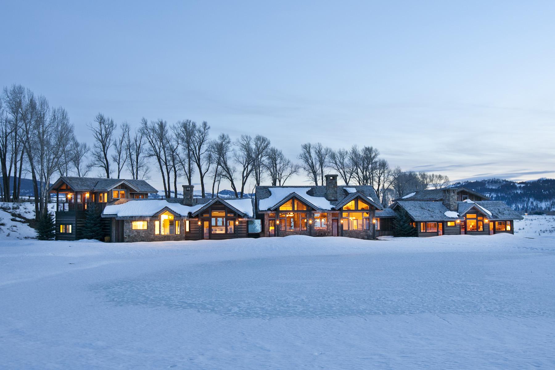 Maison unifamiliale pour l Vente à Woodside Estate 560 Woodside Drive Jackson, Wyoming 83001 États-Unis