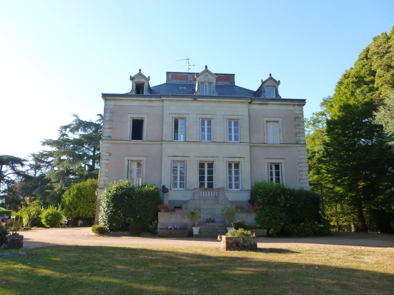 Single Family Home for Sale at JOLIE PROPRIETE SUR 13 ha, entièrement clôturée Other Pays De La Loire, Pays De La Loire 49450 France