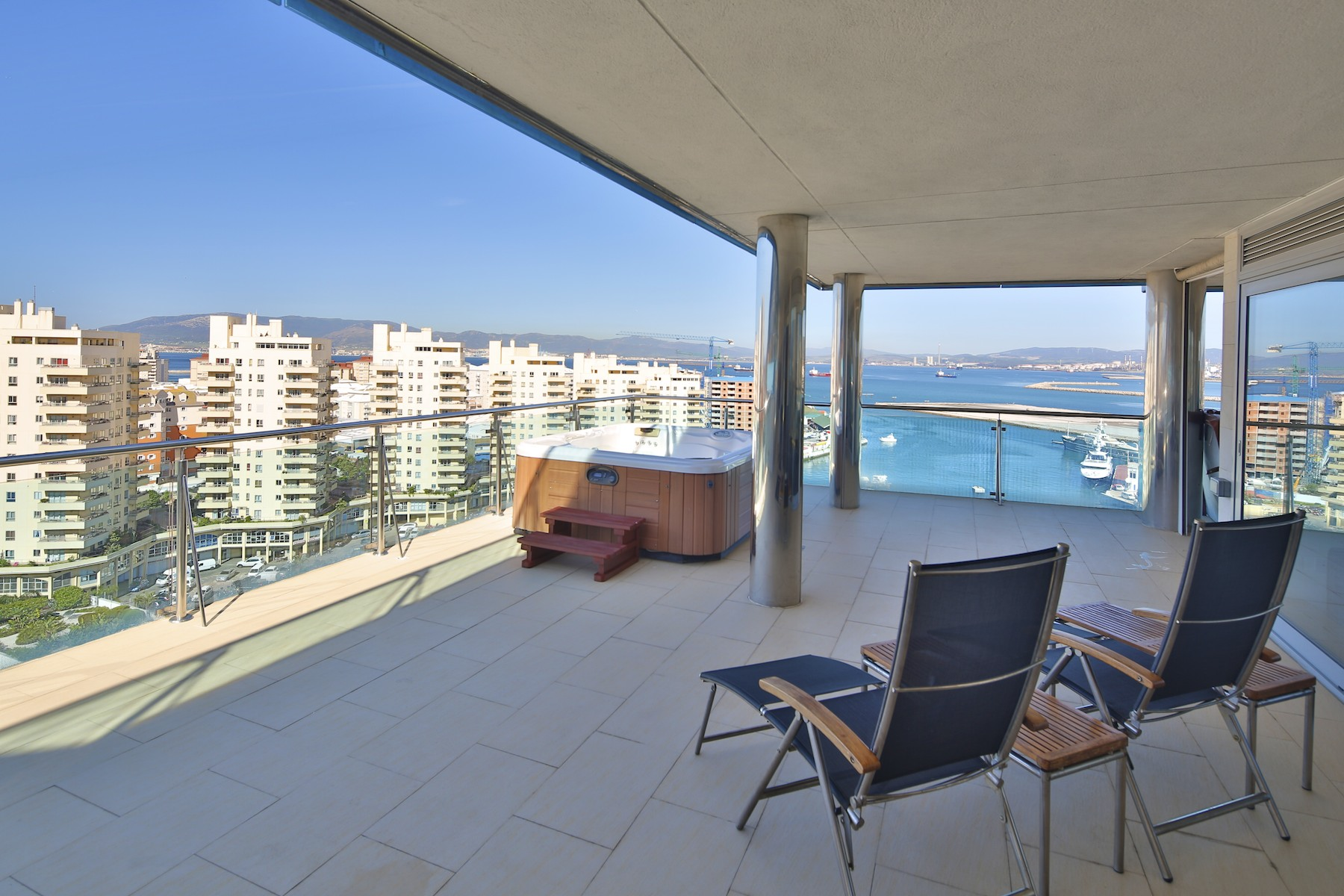 sales property at Superb penthouse in Royal Ocean Plaza