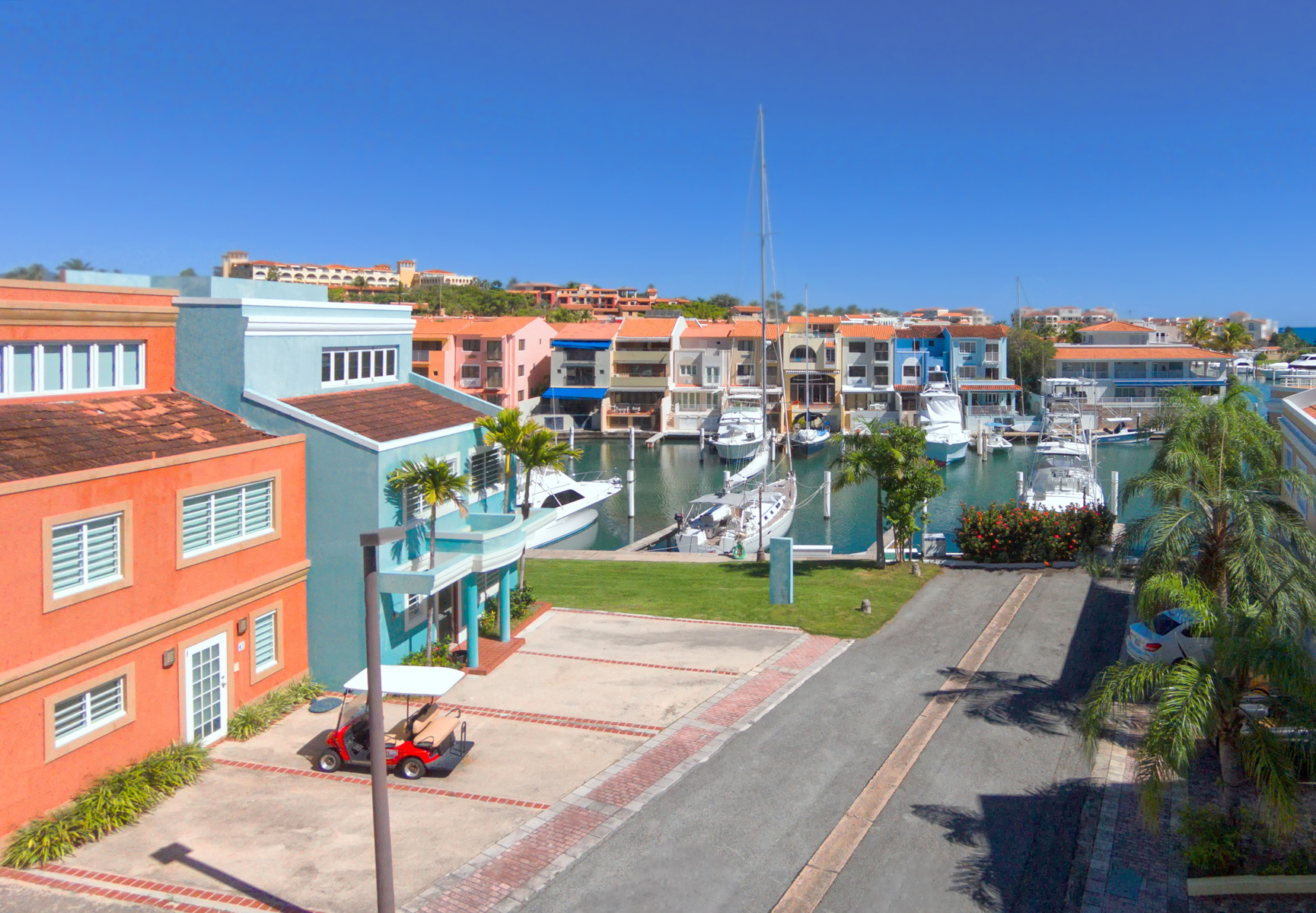 Additional photo for property listing at Waterfront Boaters Townhome at Peninsula 39 Peninsula de San Juan Palmas Del Mar, 00791 Puerto Rico