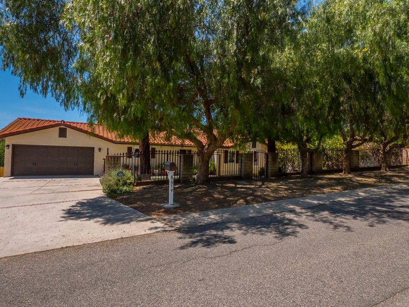 sales property at Colodny Drive