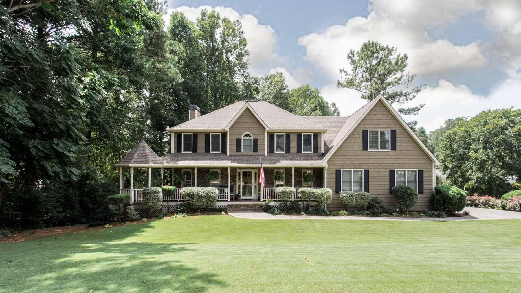 Einfamilienhaus für Verkauf beim Beautiful Cape Cod on Corner Lot 5705 Brookstone Walk Acworth, Georgia, 30101 Vereinigte Staaten