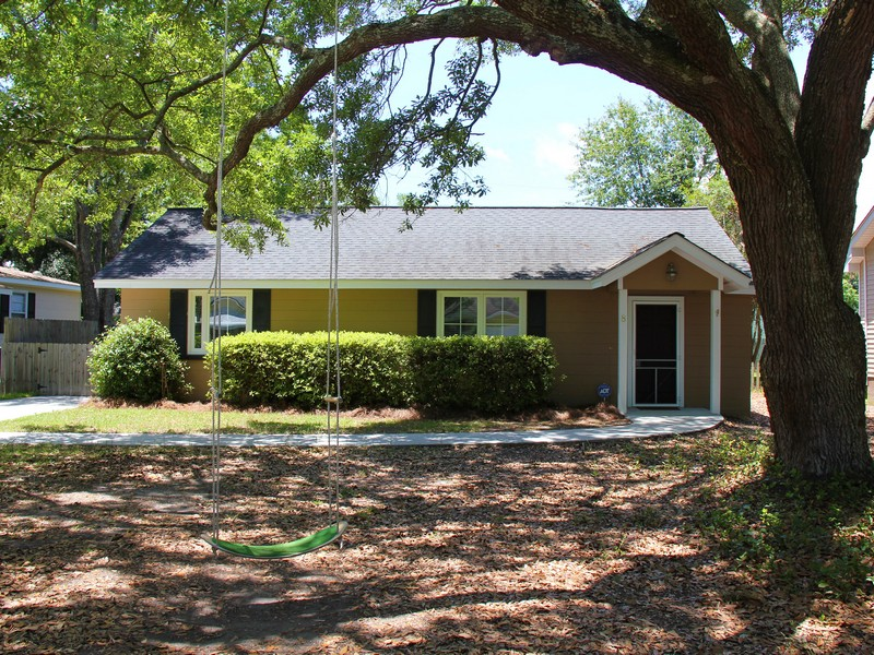 Single Family Home for Sale at Renovated Home in Carolina Terrace 8 Tovey Road Charleston, South Carolina 29407 United States