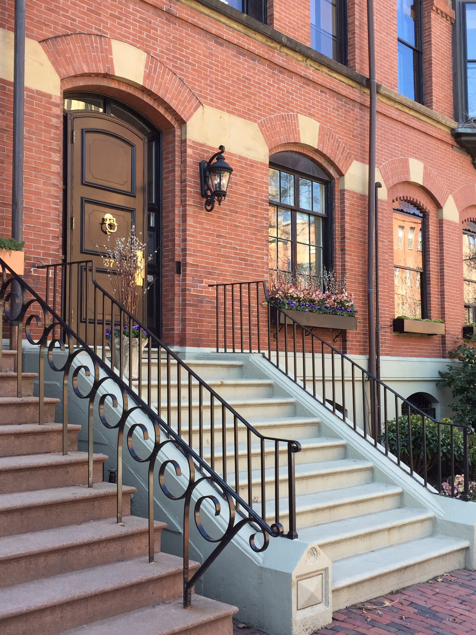 Piso por un Venta en Magnificent Flat Of Beacon Hill Residence 37 Brimmer Street Unit 1 Beacon Hill, Boston, Massachusetts, 02108 Estados Unidos