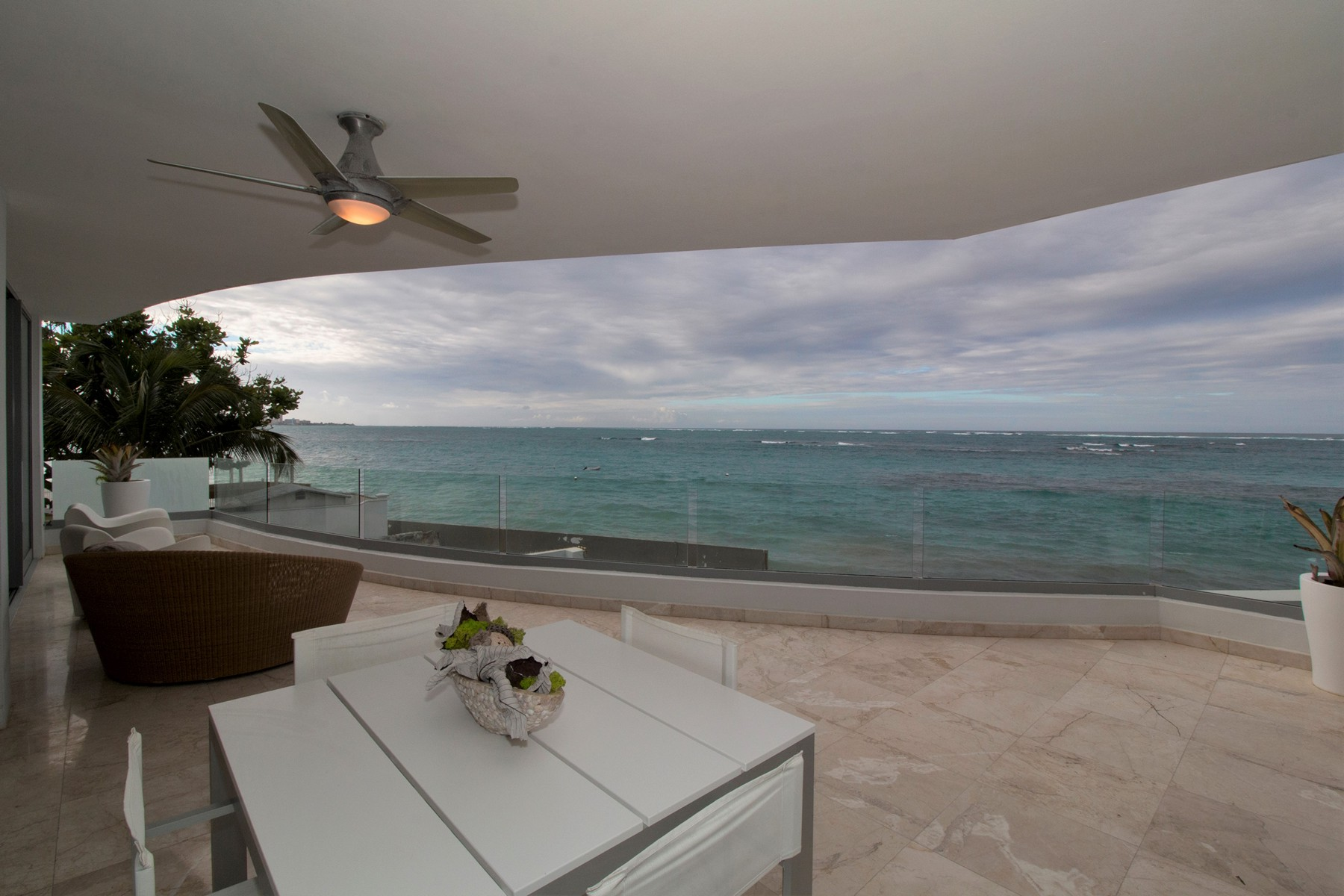 Additional photo for property listing at Striking Ocean front residence, Azure on Almendro 1 Almendro Street Apt 203 San Juan, Puerto Rico 00913 Puerto Rico