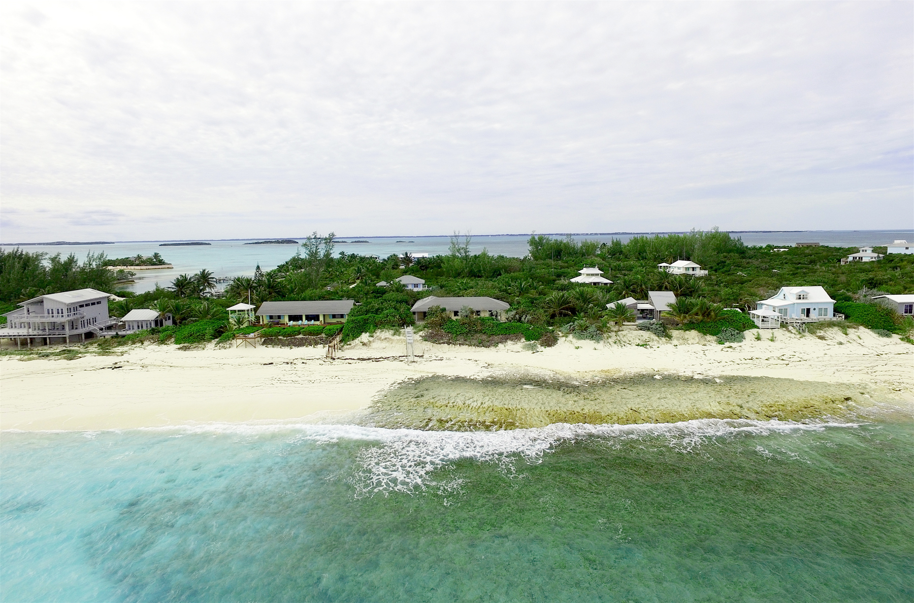 Additional photo for property listing at Cookies on The Rocks Elbow Cay Hope Town, Abaco Bahamas