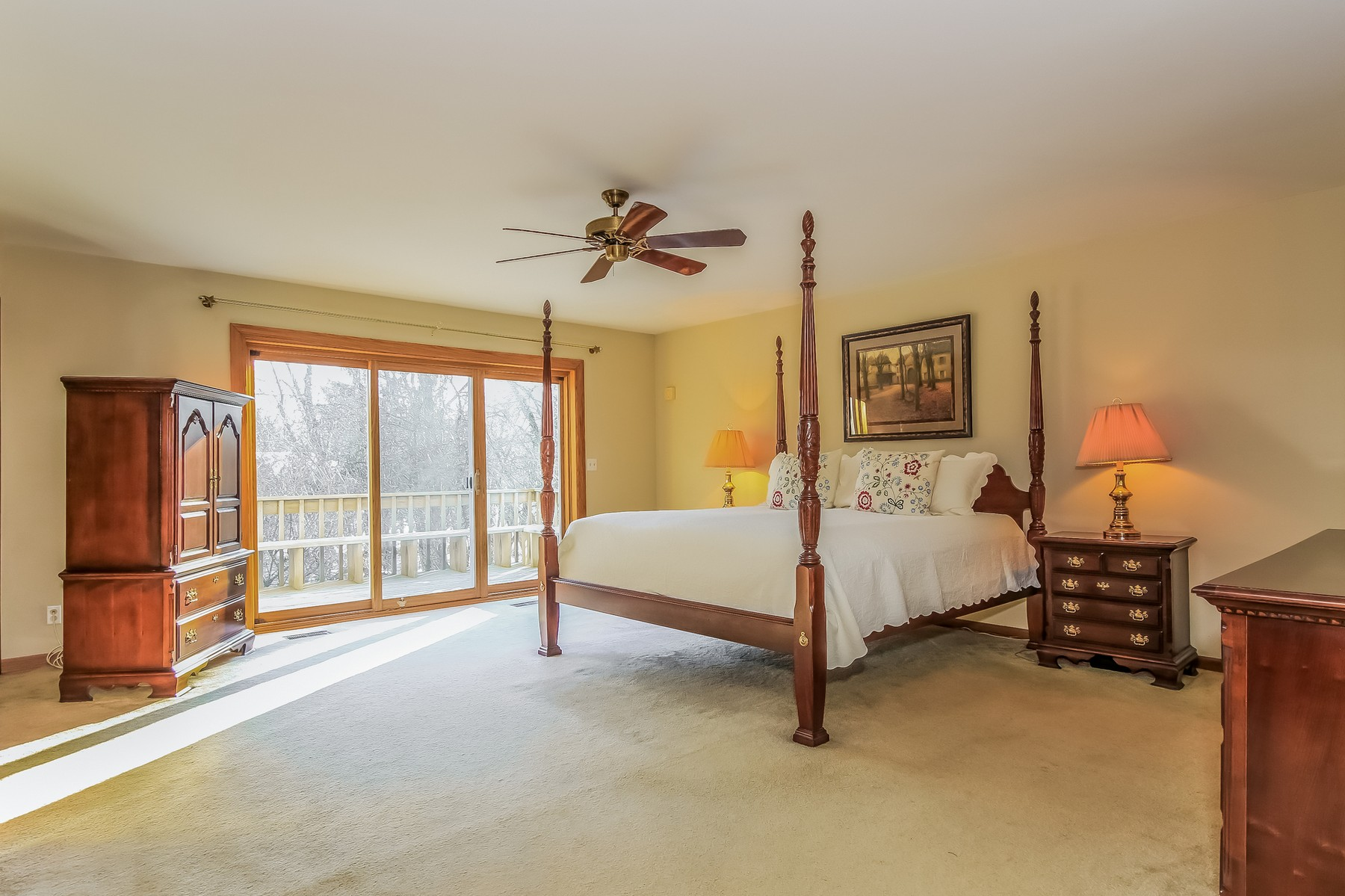 Additional photo for property listing at From the moment you enter 2 Sara Lane Barrington Hills, Illinois 60010 United States