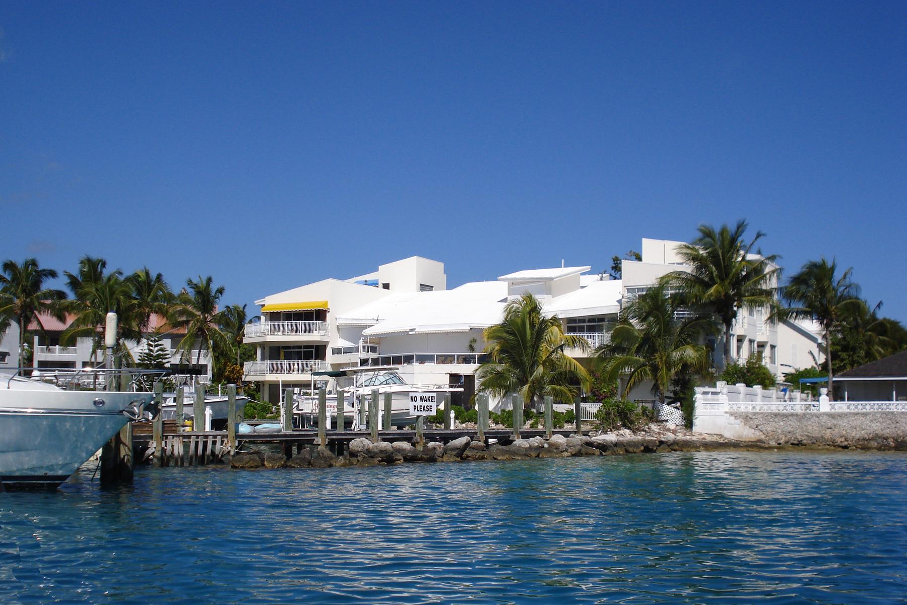 Adosado por un Venta en Flamingo Court Townhouse, Paradise Island Paradise Island, Nueva Providencia / Nassau Bahamas
