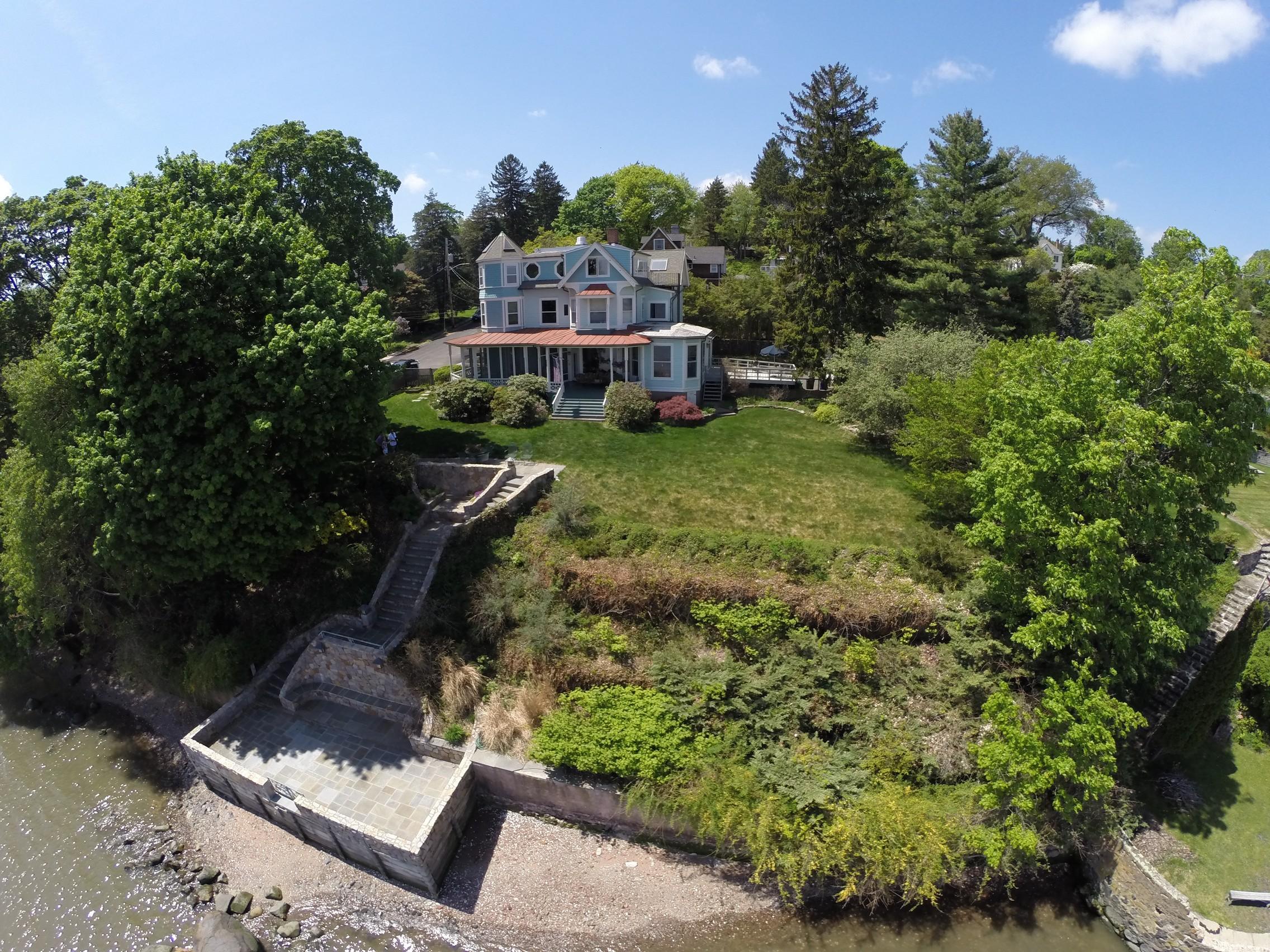 sales property at Sandalwood on Hudson