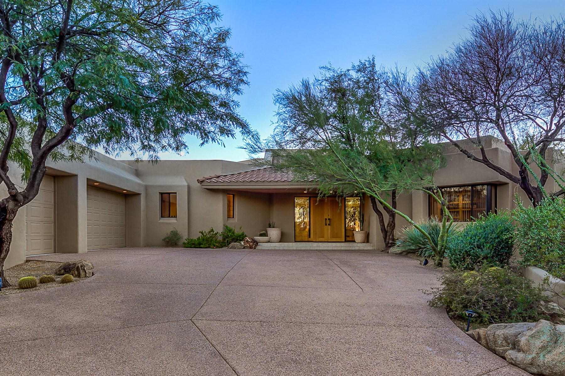 一戸建て のために 売買 アット Bright and open custom abounds with beautiful views 10665 E Palo Brea Dr Scottsdale, アリゾナ 85262 アメリカ合衆国