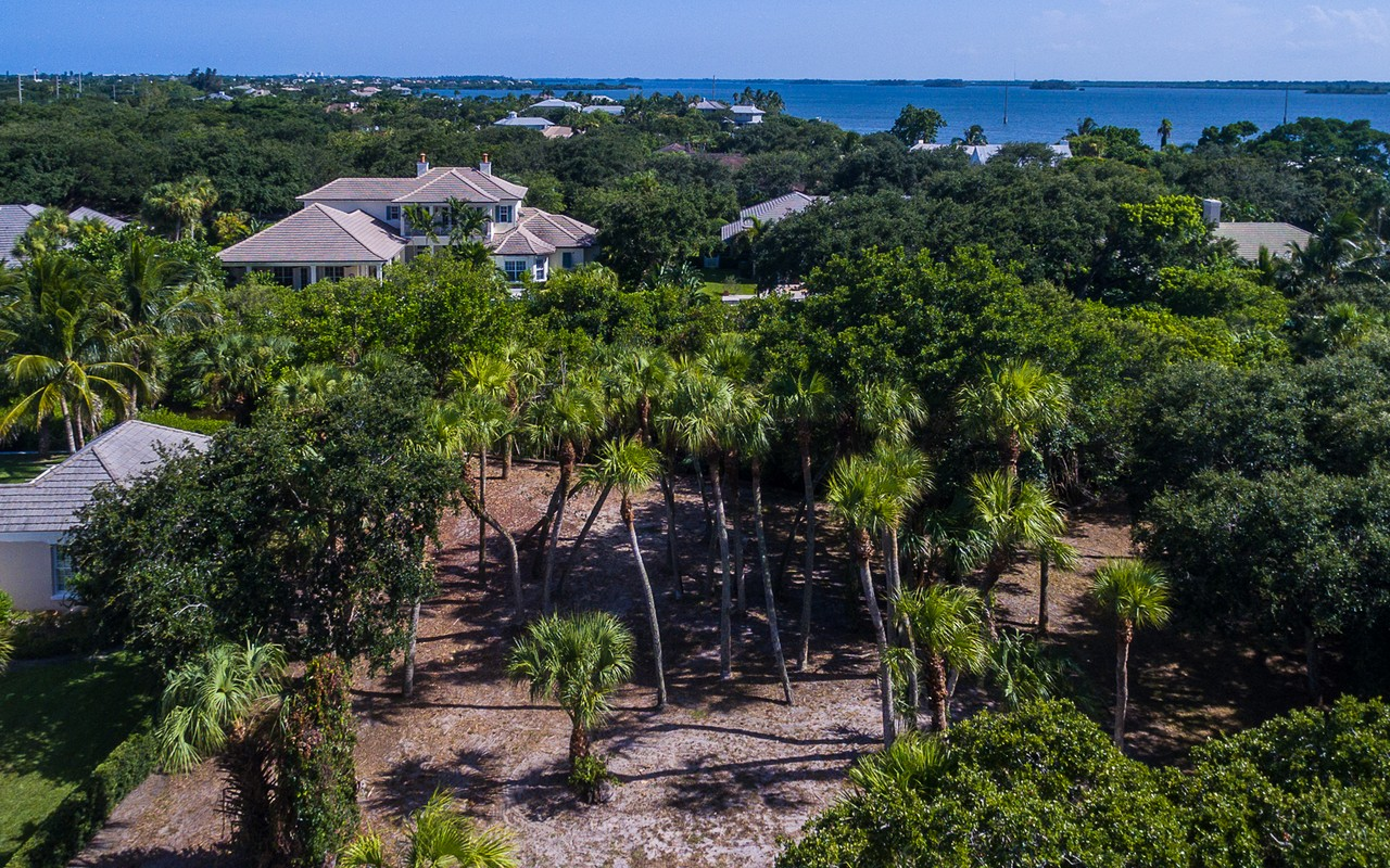 Land for Sale at Superb Waterfront Homesite 1335 Little Harbour Ln Vero Beach, Florida, 32963 United States