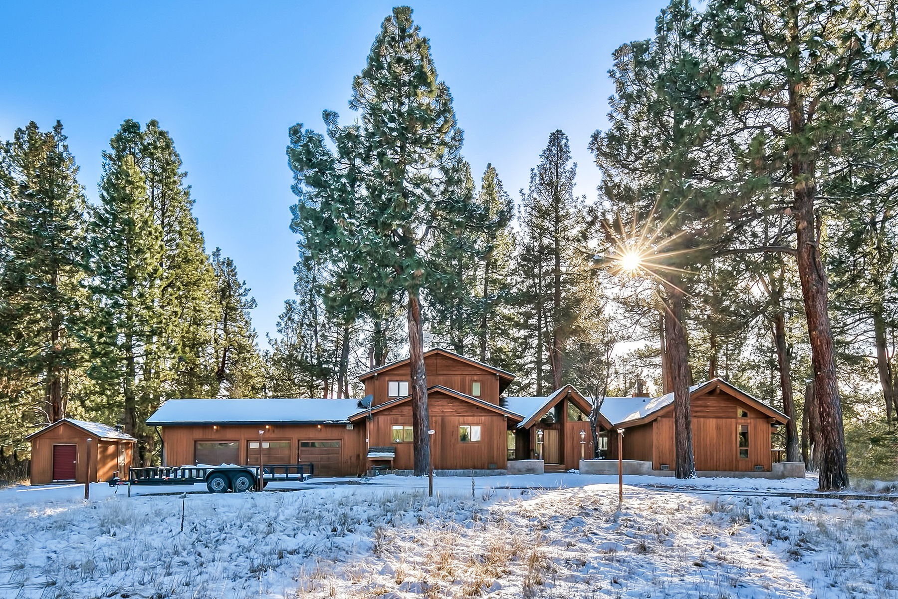 Single Family Home for Active at 11687 Moon Shadow Court 11687 Moon Shadow Ct. Truckee, California 96161 United States