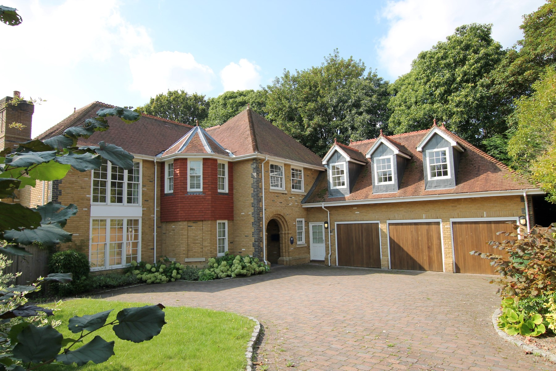 Maison unifamiliale pour l Vente à Chobham, Surrey Gorse Lane Chobham, Angleterre, GU248RB Royaume-Uni