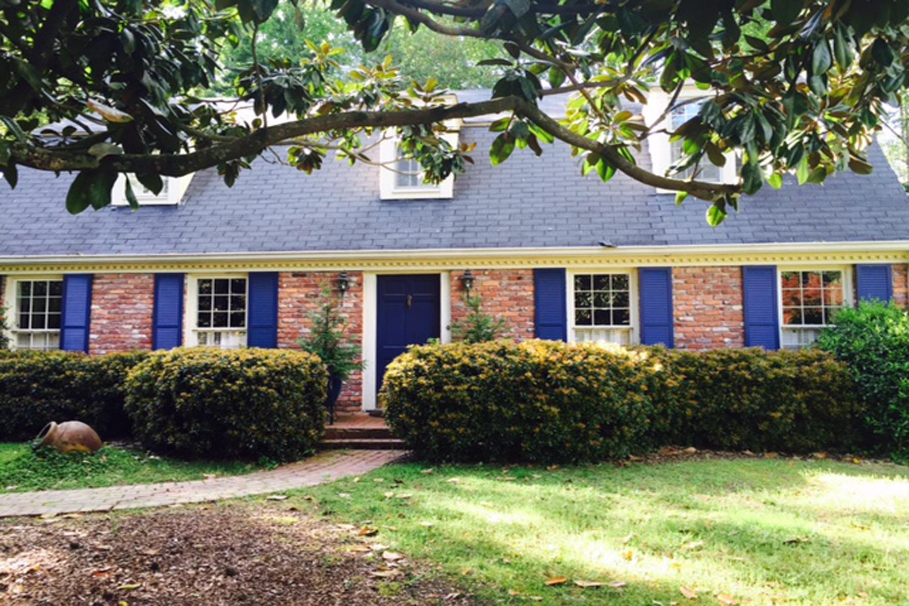 獨棟家庭住宅 為 出售 在 Great Opportunity 989 Winding Creek Trail Sandy Springs, 喬治亞州, 30328 美國