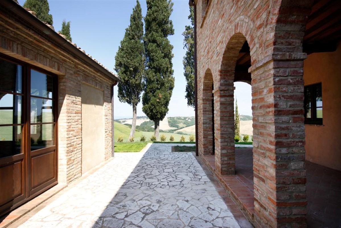 Additional photo for property listing at Unique family home with breath taking views of the Crete Senesi Asciano Asciano, Siena 53100 Italia