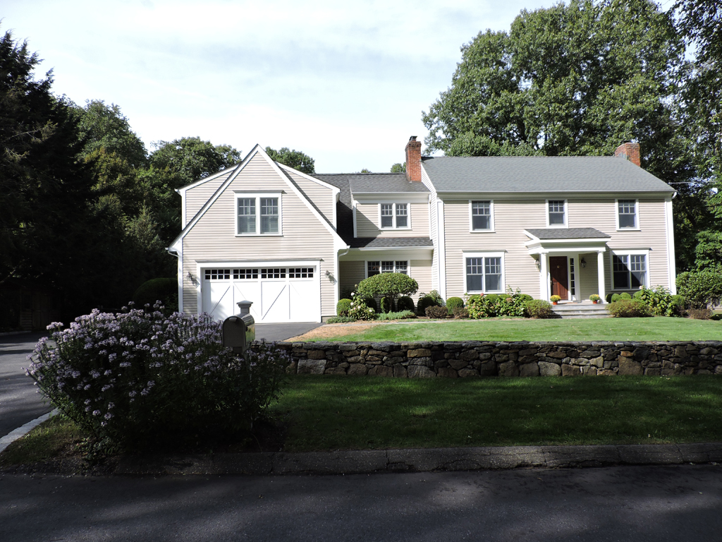 Villa per Vendita alle ore Classic Colonial 12 Cartway Lane East Bedford, New York 10506 Stati Uniti