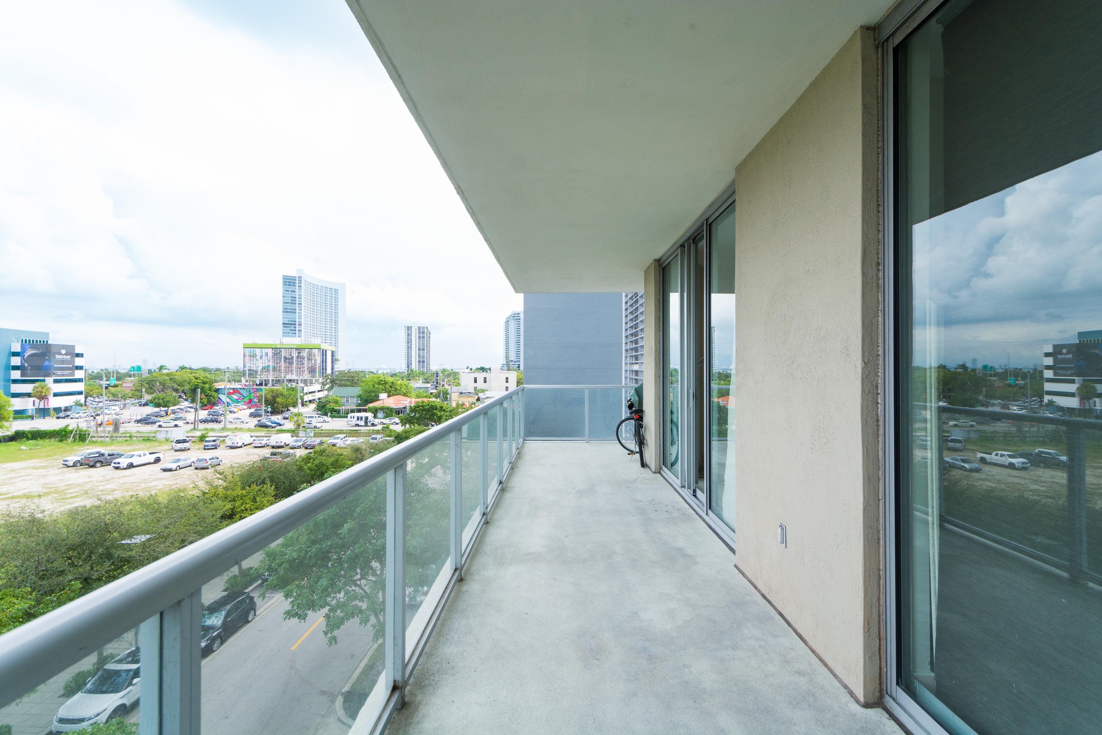 Casa Unifamiliar por un Venta en 3451 NE 1 Ave M0401 Miami, Florida 33131 Estados Unidos